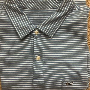 Vineyard Vines short sleeve shirt